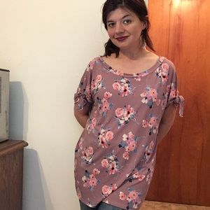 🌻🛍Beautiful mauve floral top